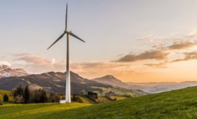 wind-turbine-2218457_1920